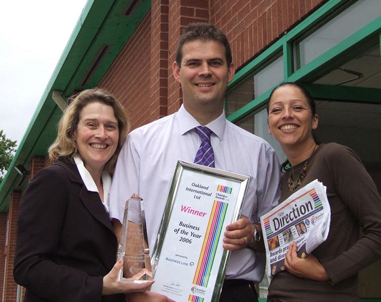 Dean & Sallie recieve the award